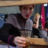 Poslední lok pití přes stěnu... na plac se s vodou nesmí, ale jak vidno, pan Bělina si udělil výjimku ;)